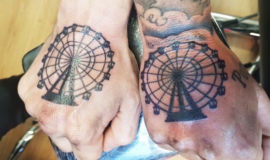Rolf Tangel showt Walibi tattoo en meer (gratis foto's)